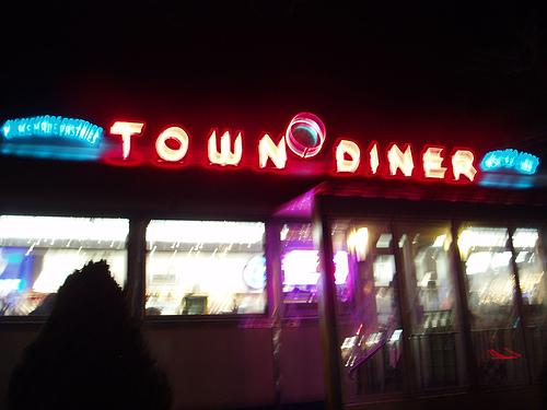 Town Diner: http://flickr.com/photos/midorionna/112114378/